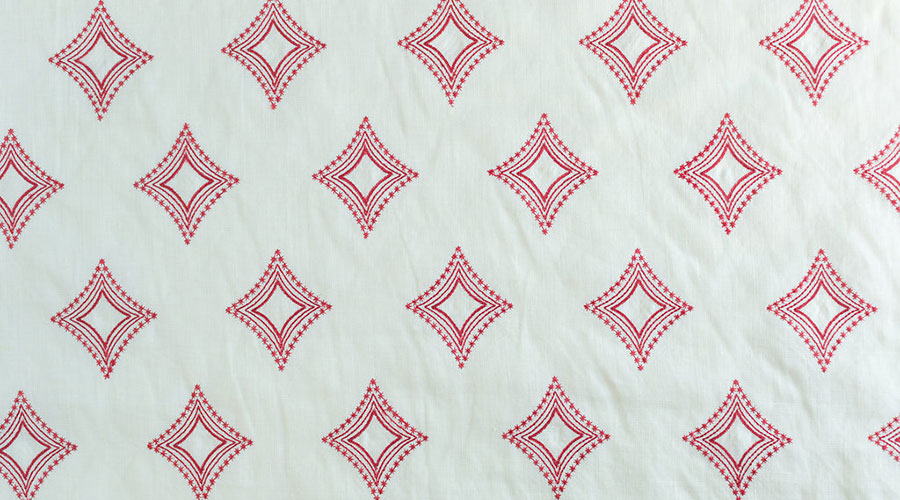 Julienne Diamond Red On Cream